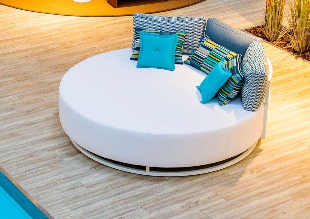 square chaise lounge bed